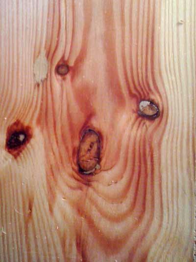 geschliffenes Holz sieht aus wie ein Gesicht