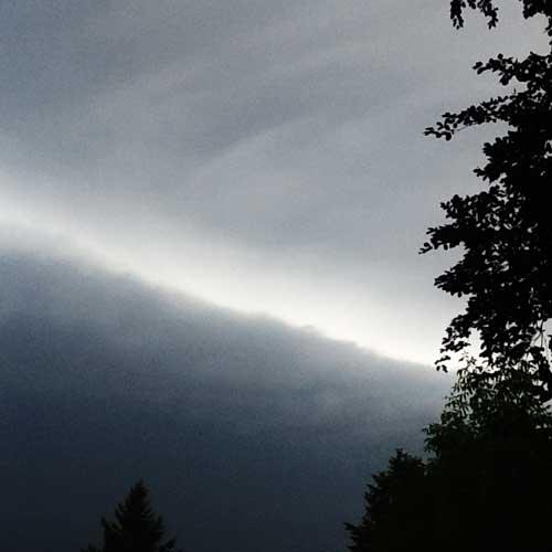 aufziehende Gewitterwolkenfront